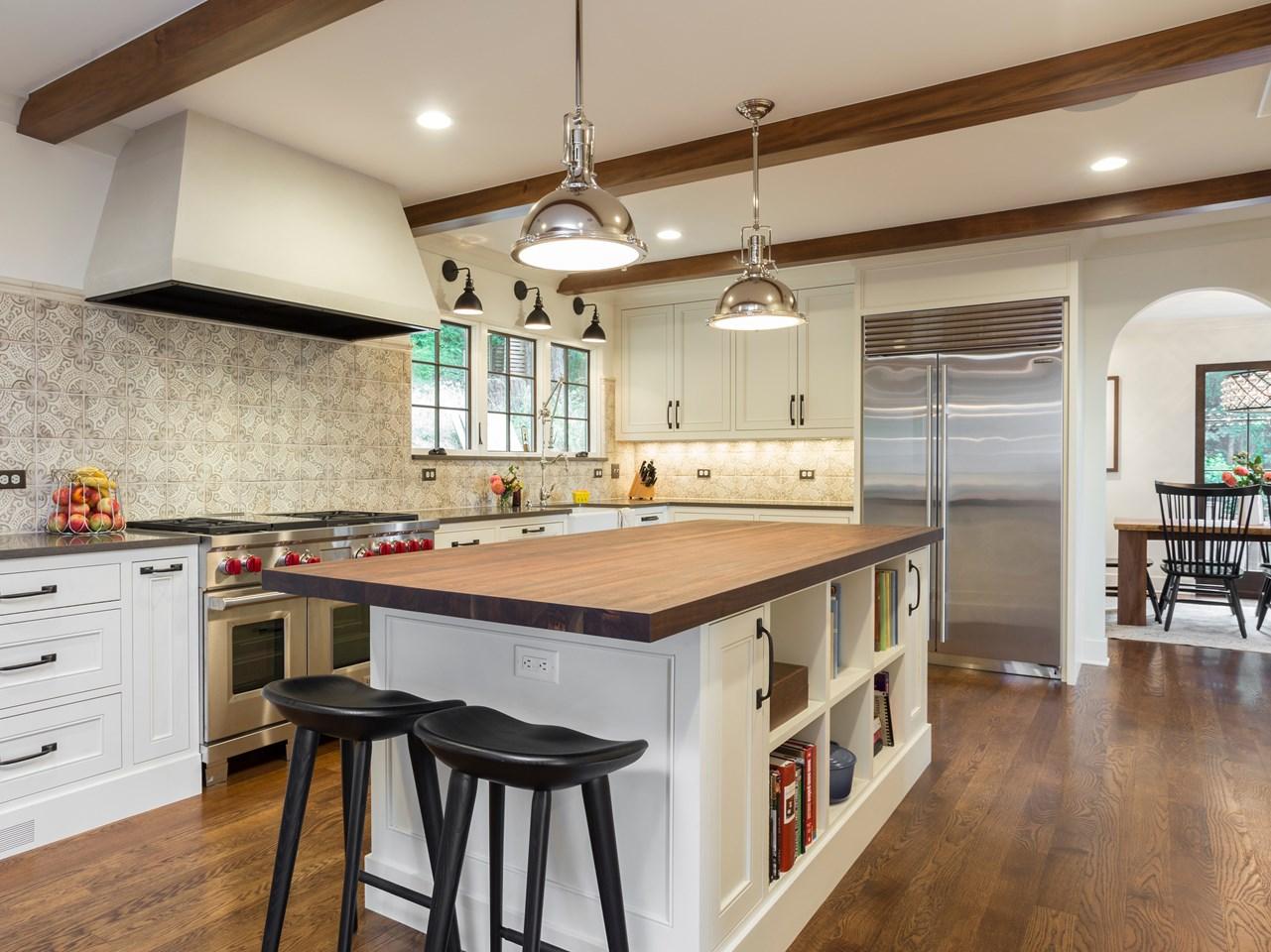 Kitchen, box beams, large island